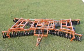 Grade Articulada DODHC F 9009 104 x 24″ x 230 mm – Civemasa > Nova - Grade Niveladora - Civemasa - Agrobill - Tratores, Implementos Agrícolas, Pneus