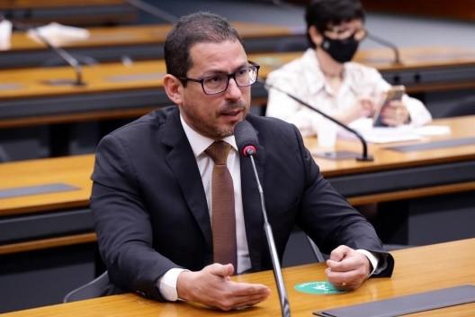 Entendendo a Amazônia: região precisa de investimento estratégico em bioindústria, destaca vice-presidente da Câmara dos Deputados