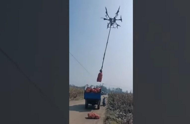 China usa drones para transportar colheita da roça até caminhão