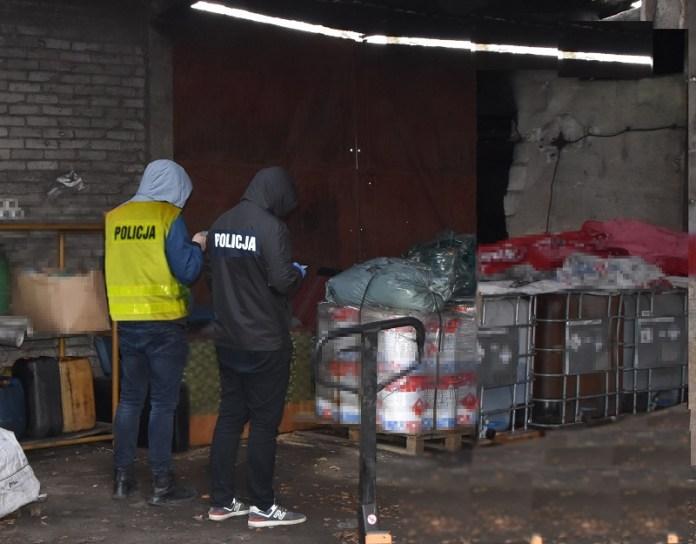 Ponad 3 tysiące litrów groźnych odpadów zostawiono w gospodarstwie