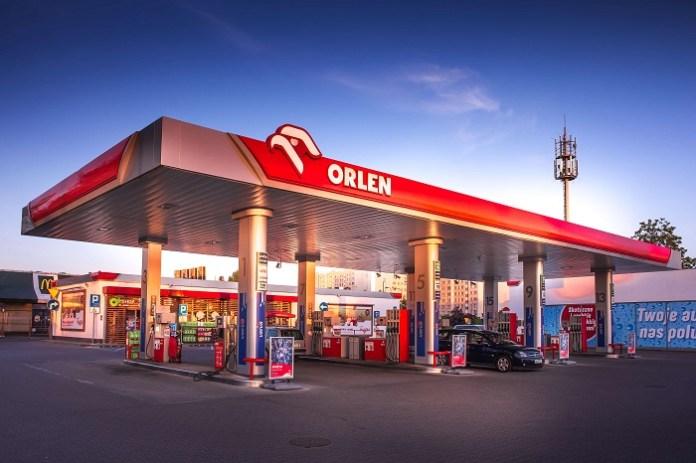 Na stacjach coraz drożej – benzyna ''95'' kieruje się stronę 6 zł/l