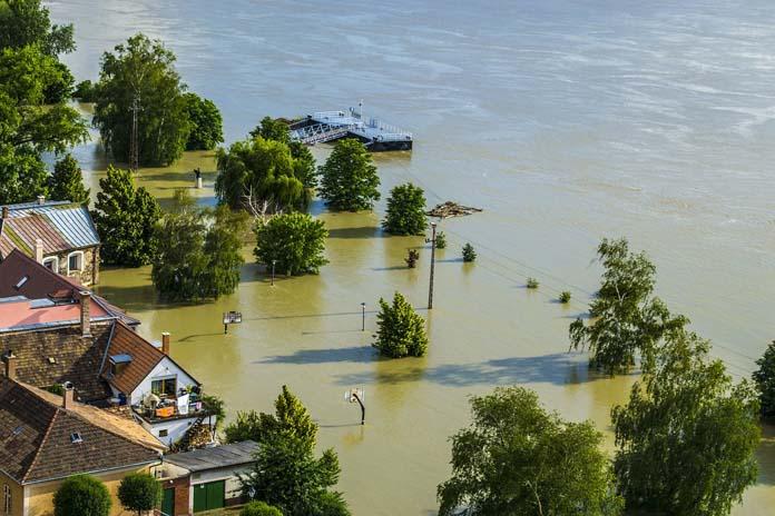rolnik, rolnictwo, klimat, powódź, powodzie, Zmiany klimatu, zmiany klimatyczne, susza