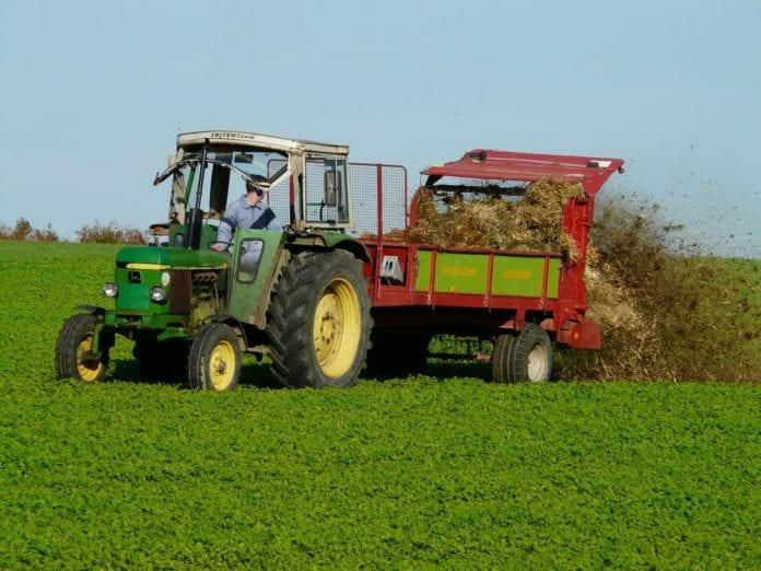 Rolnicy chcą prawnego uregulowania zapachów i dźwięków na wsi