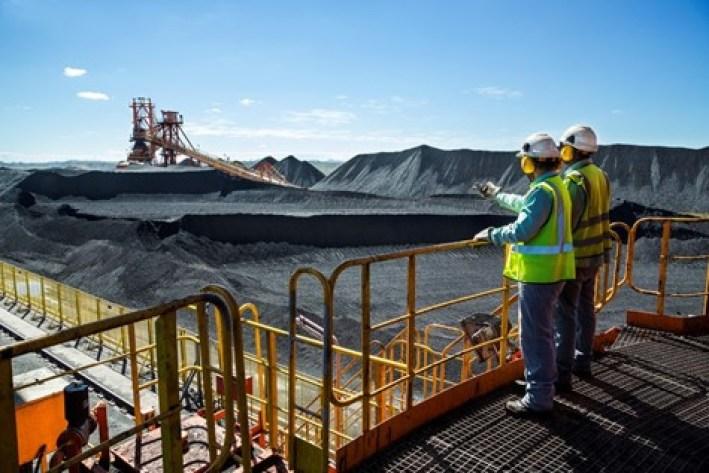 Exploração de minério