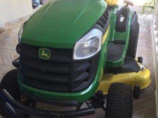 Tractor corta césped