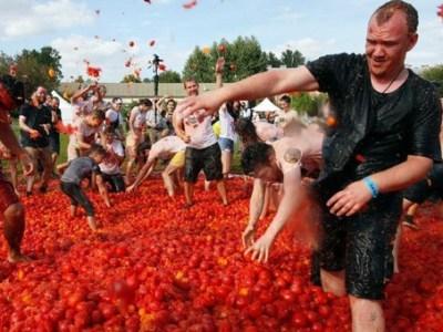 Rusia copia la Tomatina