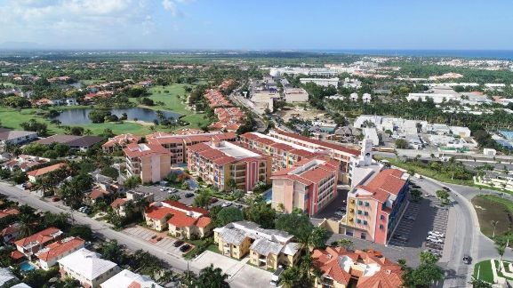 Condominium, propiedades, aptos en Cocotal Golf and Country Club Bavaro