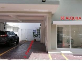 Alquilo Local Comercial en Gazcue de 105 m²