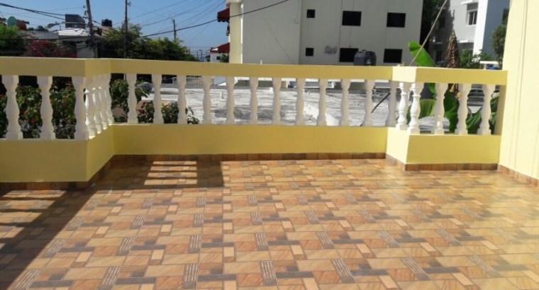 Casa 2 Niveles en Urb. Solimar a unos pasos de la Universidad del Caribe