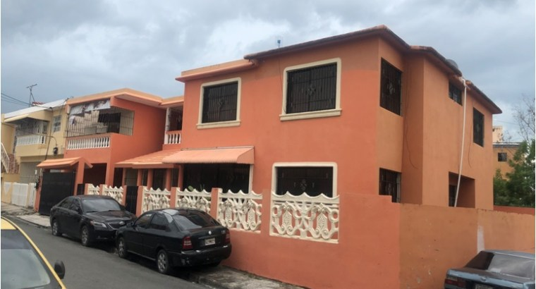 Vendo Casa con 3 Aptos independiente c/u, en Buena vista 2da.