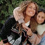Jennifer Lopez e Michael B. Jordan celebram o final de ano da Coach