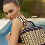 Lily-Rose Depp apresenta o verão da Chanel