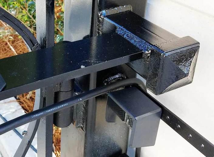 Iron Swing Gate in Metairie, LA. Professional Welding.