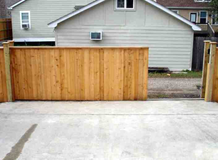 Sliding Roll Gate in Lakeview (Front).