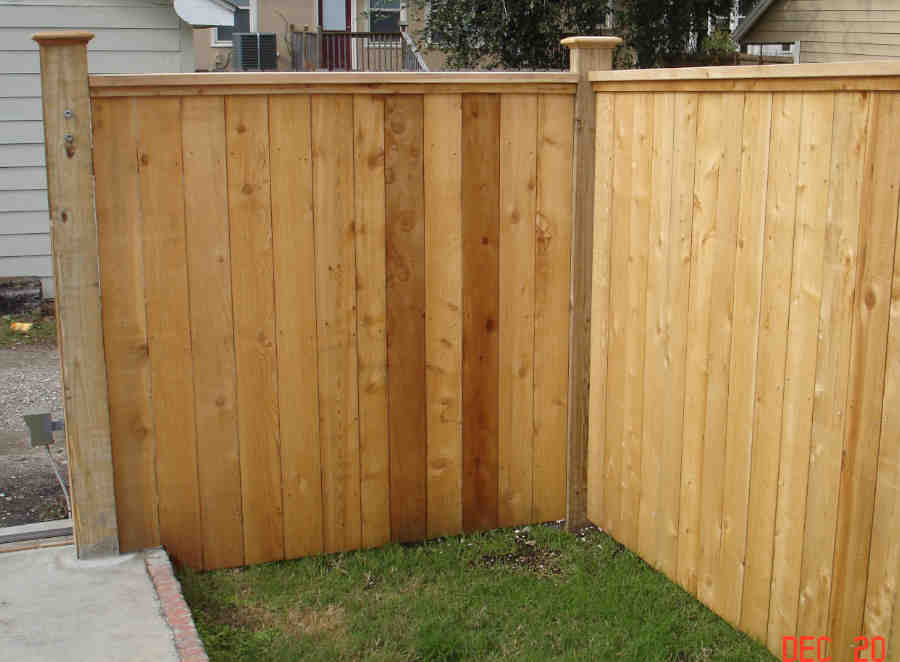 Wood Fence with Cap and Molding Built by AGS Access in Lakeview.