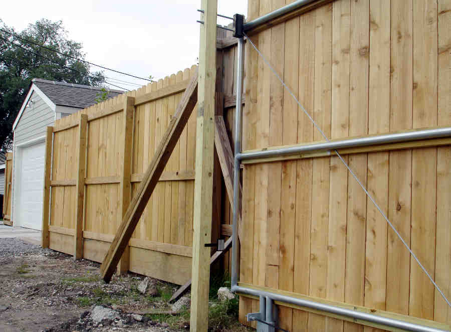 Sliding Roll Gate in Lakeview (Back). Single Vehicle Access. Setup in Progress.