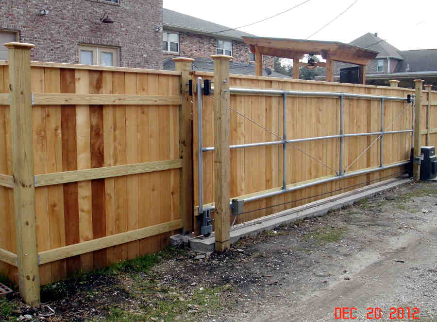 Sliding Roll Gate in Lakeview (Back).