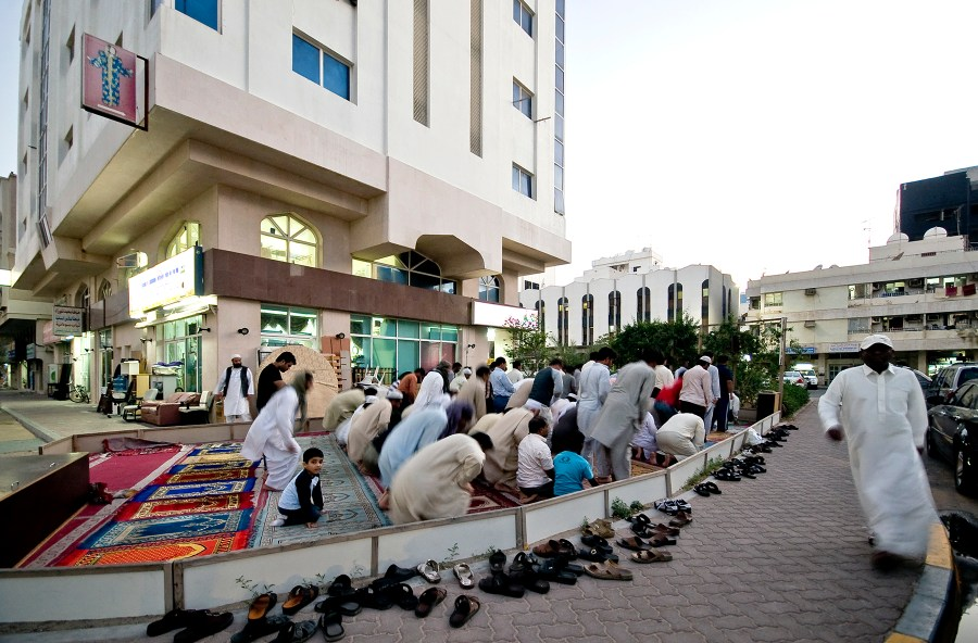 impromptu mosque in Abu Dhabi (Yasser Elsheshtawy)