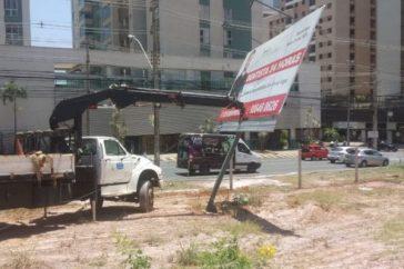 DF Legal realiza operação para retirada de propagandas irregulares em Águas Claras