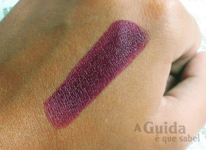 batom avon vixen review swatch resenha opinião make up maquilhagem blog beleza beauty burgundy