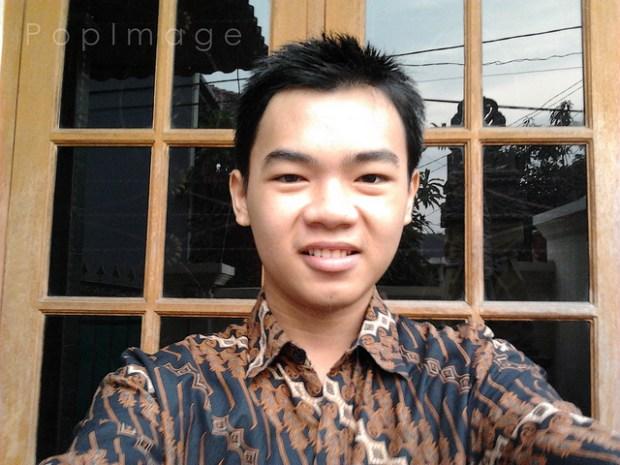 "mirip koko cina yang pakai batik! -____-"""