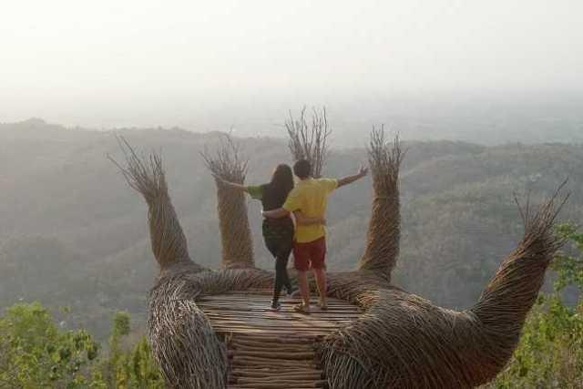 Telapak Tangan Hutan Pinus Pengger, Dlingo, Bantul, Yogyakarta