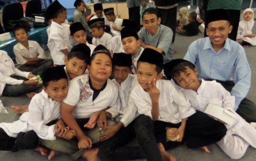 rp_buka-puasa-anak-yatim-di-bank-bni-jombang-16-juli-2014-3.jpg