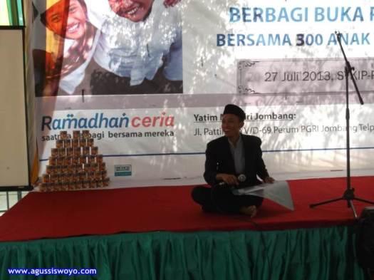Menjadi Pembawa Acara Pada Kegiatan Buka Puasa Bersama Anak Yatim di Jombang