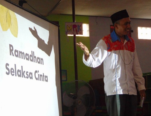 Buka Puasa Ramadhan bersama Kelompok Sahabat Rainbow di PAUD Ar-Rahman Jombang tahun 2016