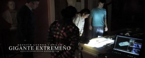 Equipo técnico escaneando el esqueleto, supervisando Laura Muñoz ( Antropóloga)