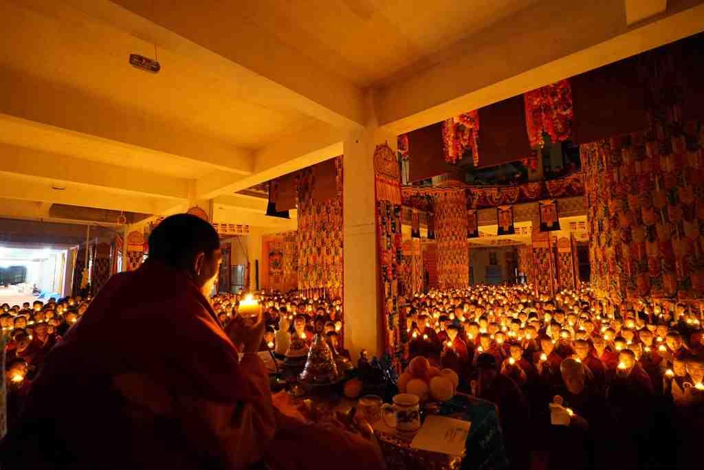Gyalwai Nyugu Rinpoche light offering
