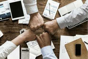 ליווי משפטי לעסקים | עורך דין עסקי | ליווי משפטי לעסקים בעזרת עורך דין עסקי