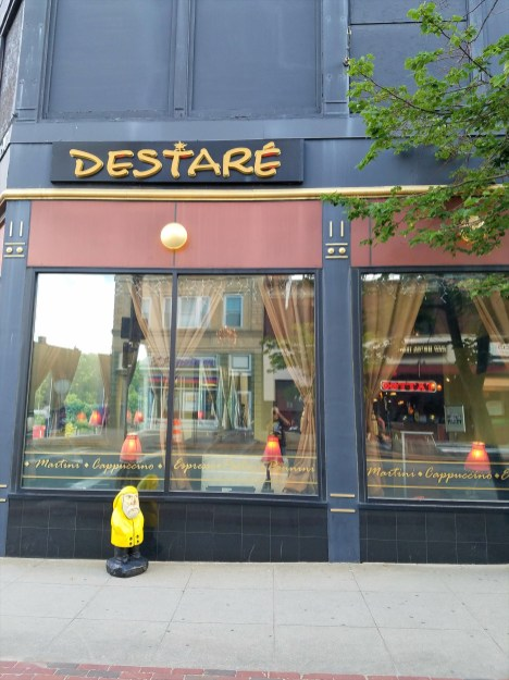 Captain Ahab of Ahab's Adventures speaking at Destare Cafe in Fitchburg Massachusetts 2016