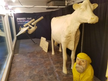 Captain Ahab of Ahab's Adventures meeting the Butter Cow at the Iowa State Fair 2016