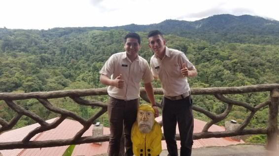 Captain Ahab of Ahab's Adventures making new friends at the Peace Lodge & La Paz Waterfall Gardens Alajuela Costa Rica 2018