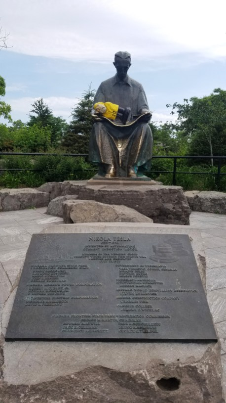 Captain Ahab of Ahab's Adventures and Nikola Tesla hanging out at Niagara Falls 2019