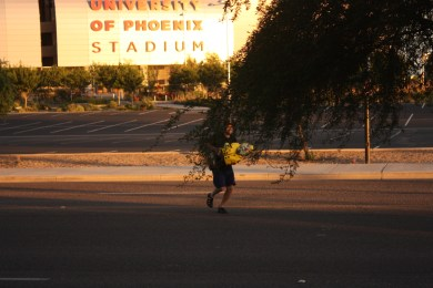 Captain Ahab of Ahab's Adventures running around Phoenix Arizona while our oil is being changed 2011