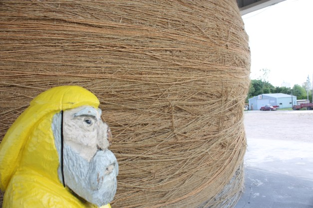 Captain Ahab of Ahab's Adventures at the World's Largest Ball of Twine in Kansas 2011