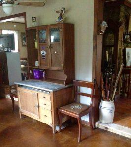 antique farmhouse decor
