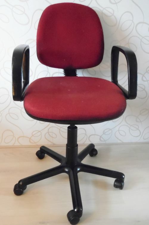 Old Office Chair office chair makeover - easy tutorial showing how to upcycle old