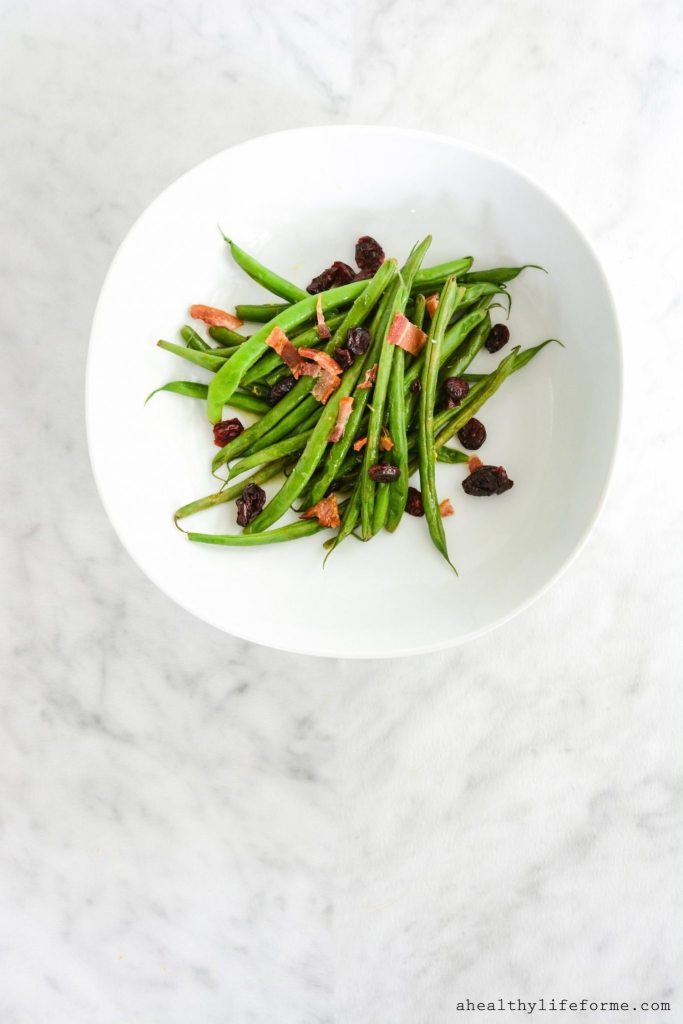 Holiday Green Beans is the perfect healthy side dish to serve at your holiay table.  Easy, quick and using only the freshest ingredients | ahealthylifeforme.com