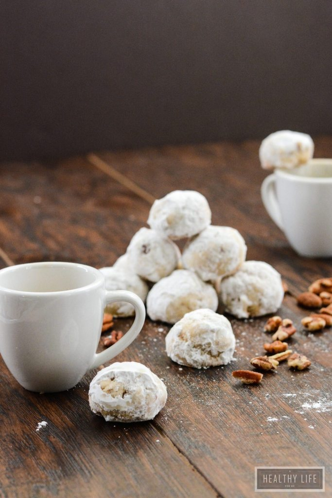 Pecan Ball Cookies melt in your mouth holiday cookie recipe | ahealhtylifeforme.com