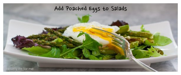 Poached eggs in salad