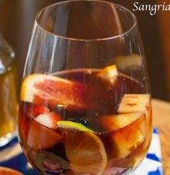 How To Make a Sangria Cocktail