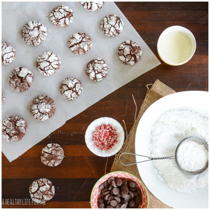 Chocolate Peppermint Crinkle Cookie Recipe | ahealthylifeforme.com