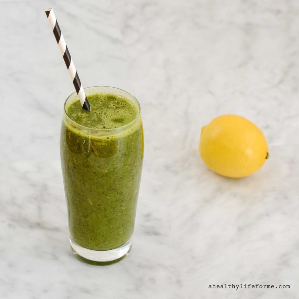 Kale Green Smoothie Recipe is gluten free dairy free and paleo