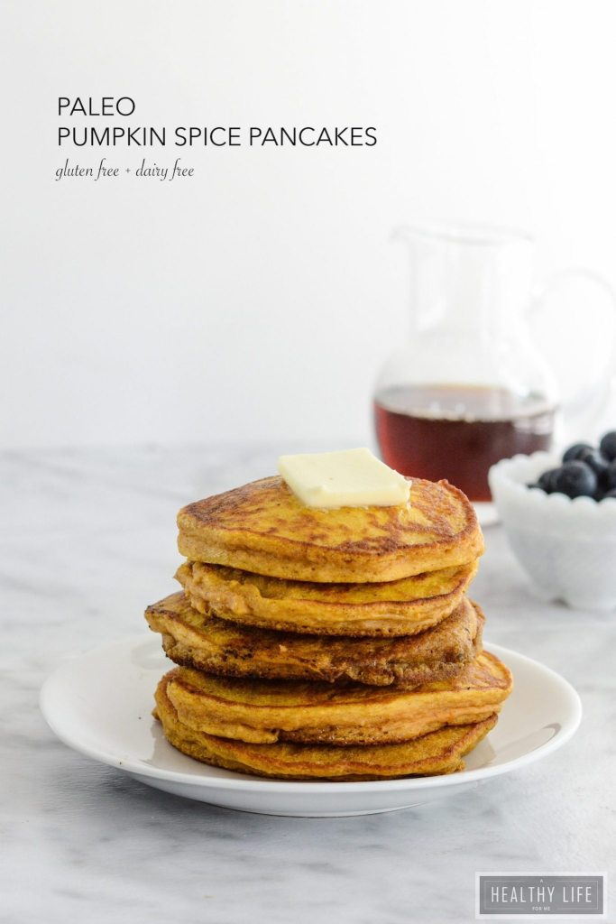 Paleo Pumpkin Spice Pancakes are the perfect stack of breakfast cakes with a taste of fall | ahealthylifeforme.com