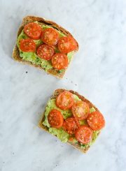 Tomato Avocado Toast is the perfect blend of crunch, creamy and summer flavor | ahealthylifeforme.com