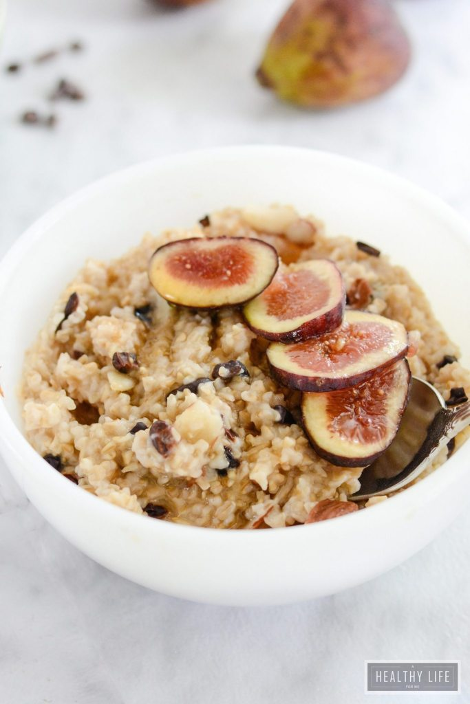 Steel Cut Oatmeal with Figs Almond Cacao is a healthy bowl of goodness | ahealthylifeforme.com
