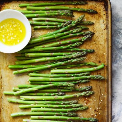 Sesame Roasted Asparagus {paleo + gluten free}